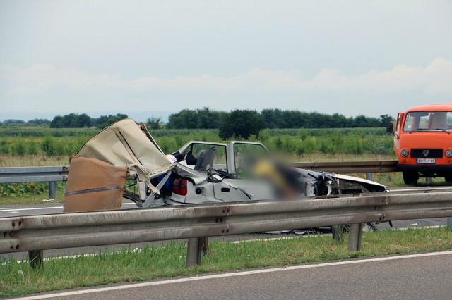 U teškoj saobraćajnoj nesreći poginuli otac i ćerka iz Zaječara