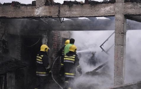 Veliki požar: Izgoreo deo kuće, pomoćni objekti, nastradala živina