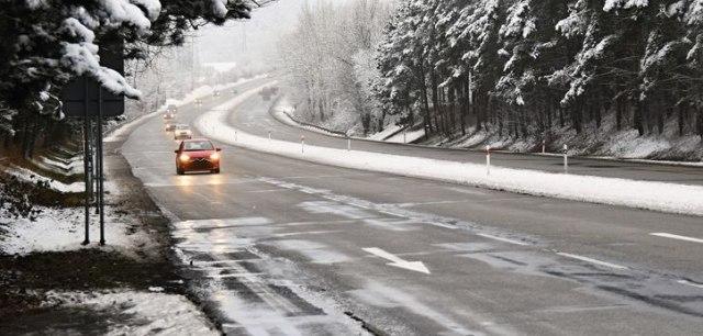 OPREZ: Opasnost na putevima zbog poledice