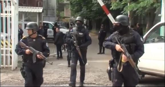 Kosovo: Uhapšeno 23 pripadnika srpske i bošnjačke nacionalnosti (VIDEO)
