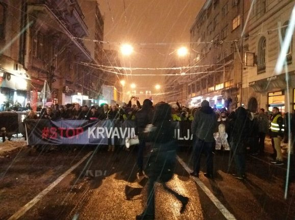 Krenula protestna šetnja centralnim beogradskim ulicama