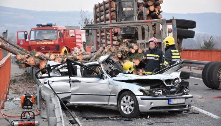 Četiri vojnika povređena u saobraćajnoj nesreći kod Zaječara