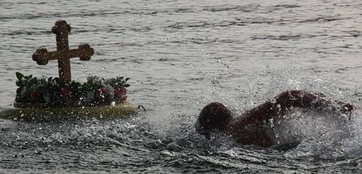 Plivanje za Časni krst u Boru, Kladovu i Zaječaru