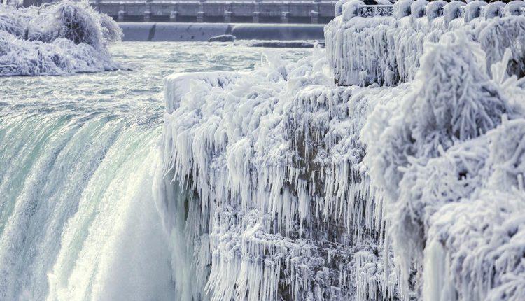 Zaleđeni Nijagarini vodopadi FOTO/VIDEO