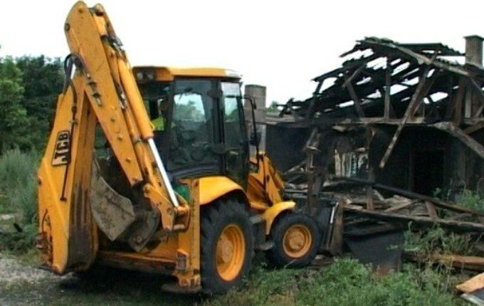 Počelo rušenje baraka